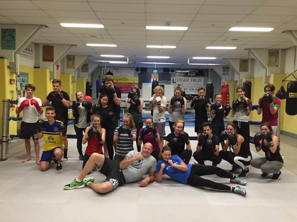 Workshop boksen voor de leerlingen van het montessori for Montessori college arnhem
