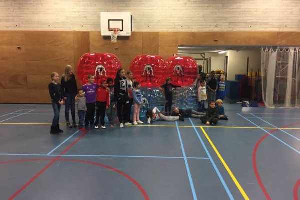 sport workshop bubbleball kinderfeest